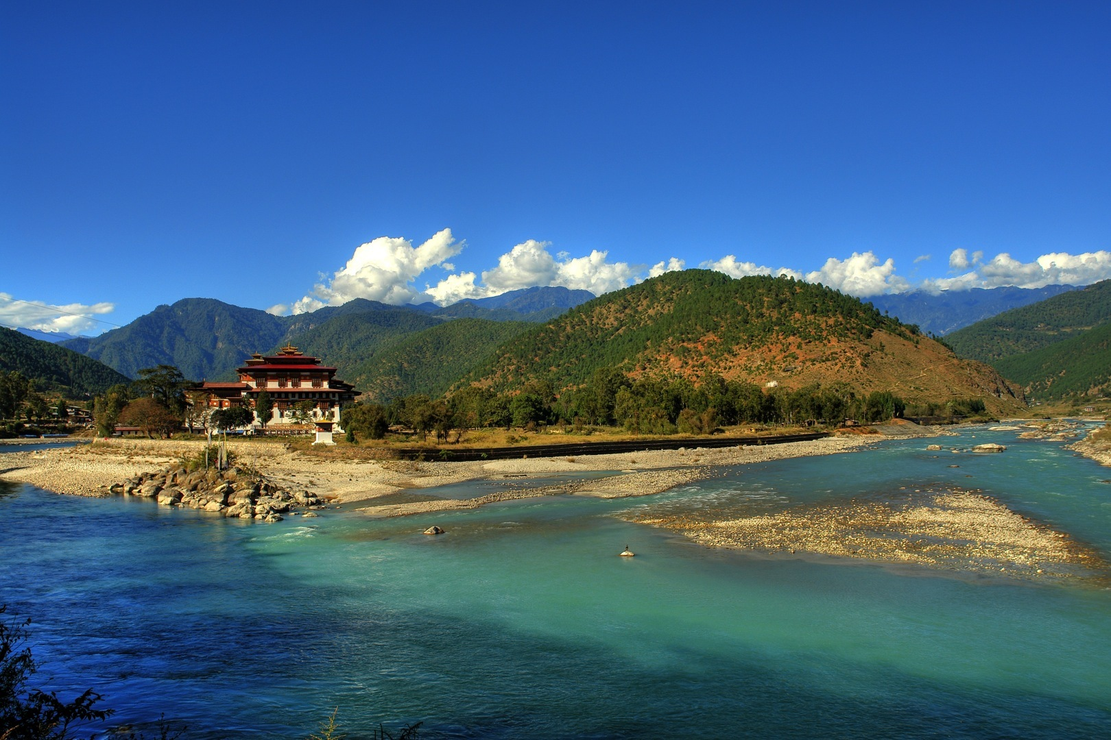 Bhutan 5 Days -Thimpu + Ponakha + Paro Tour Package